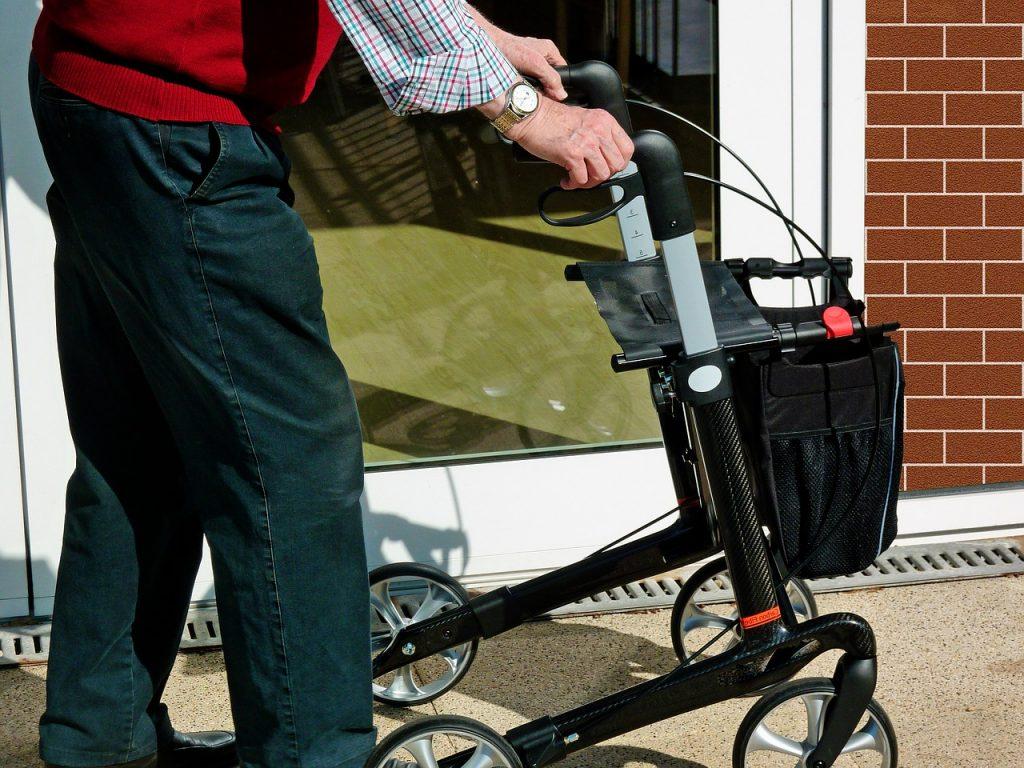 Cechy dobrej opiekunki do osób starszych