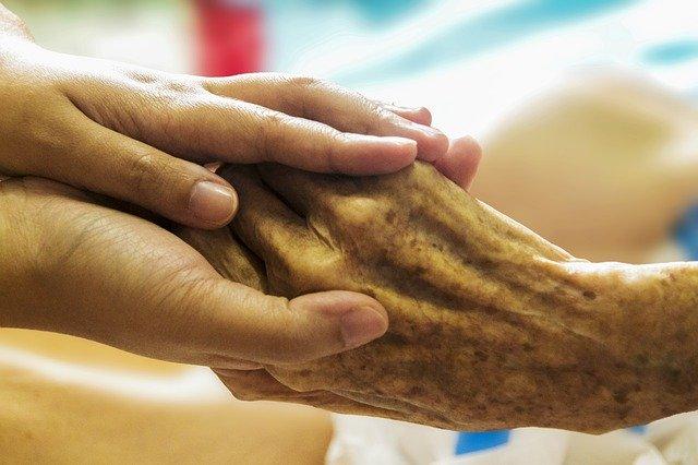 Praca jako opiekunka przy osobach starszych